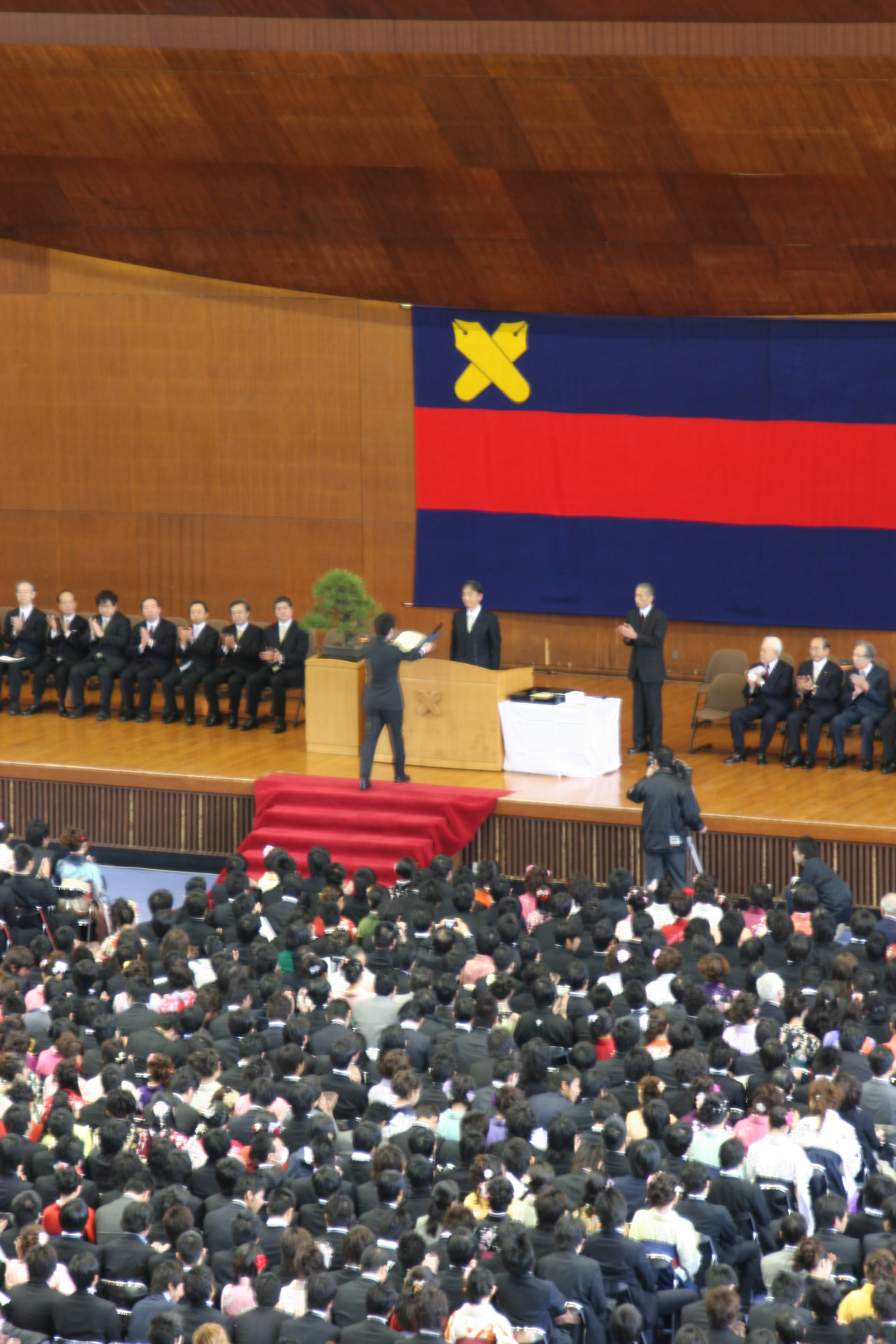 日吉記念館での卒業式は今年度で最後