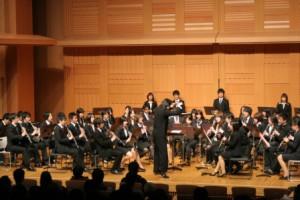 第2部では、様々な種類のクラリネットで構成されたオーケストラが演奏を披露した
