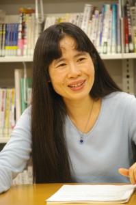 教養課程の必要性を語る横山教授