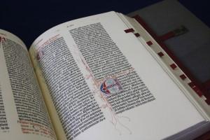 「さまよえるグーテンベルク聖書」のレプリカ
