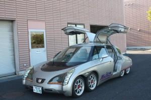 最高時速370キロの電気自動車「Eliica」