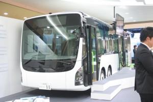 電動フルフラットバスのSAKURA