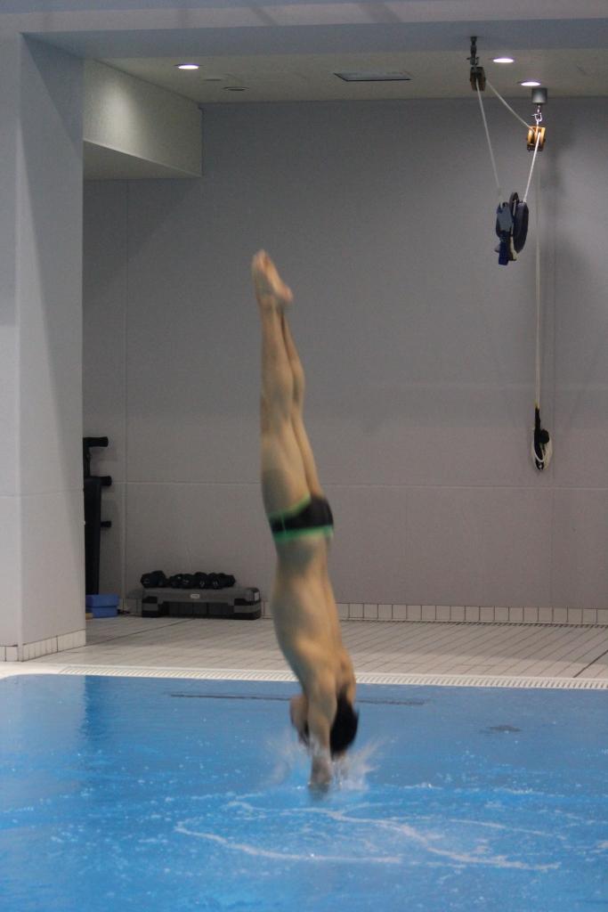水泳部飛込