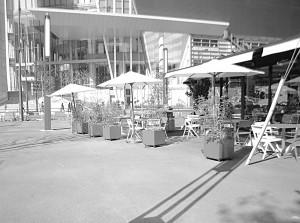 新虎通りに出来たオープンカフェ