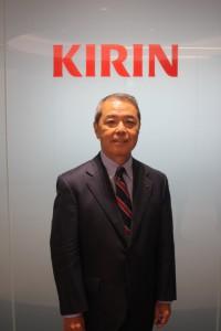 1948年東京に生まれる。慶應義塾大学経済学部卒業後、1970年キリンビール株式会社に入社。1988年に大阪支社営業第2部長となる。1993年、ハイネケン・ジャパン株式会社(現ハイネケン・キリン株式会社)取締役副社長を務める。2007年キリンビール株式会社代表取締役社長に就任。2009年キリンホールディングス株式会社代表取締役副社長を経て、2010年よりキリンホールディングス代表取締役社長となる。